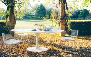 Saarinen Tulip dining table outdoor