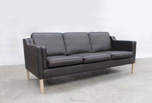 Vincent Sofa black leather