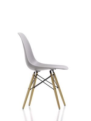 Eames DSW Chair, mauve grey shell, golden maple base