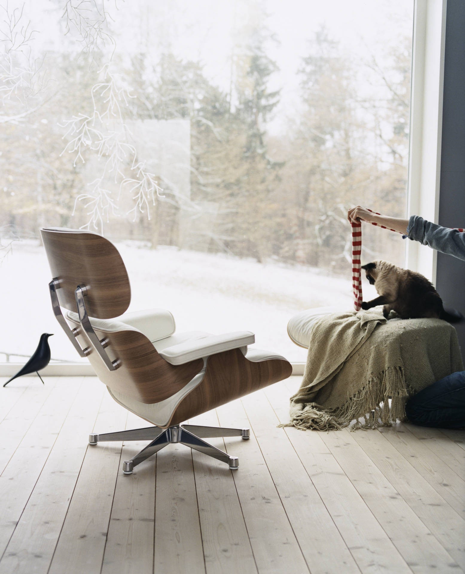 Eames Lounge Chair White Version ...