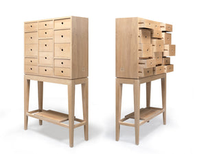 Contador chest of drawers, oak