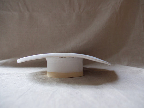 myhungryvalentine-studio-ceramics-seconds-cakestand-medium-sloppy-cracked-side
