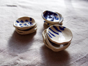 myhungryvalentine-studio-ceramics-seconds-cobalt-minisaltandpepperpots-group-stacked