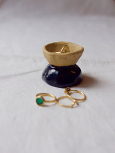 myhungryvalentine-studio-ceramics-seconds-jewellerycup-midnightblue-natural-side-rings-vertical