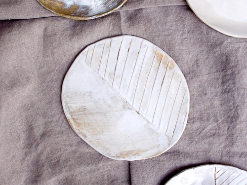 myhungryvalentine-studio-ceramics-seconds-plate-stripes-small-mattwhite