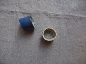 myhungryvalentine-studio-ceramics-seconds-pots-4-myosotisblue-cloudywhite-2