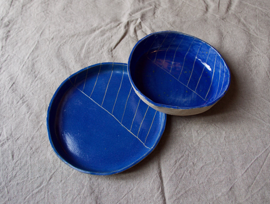 myhungryvalentine-studio-ceramics-seconds-roundservingdishessetof2-top