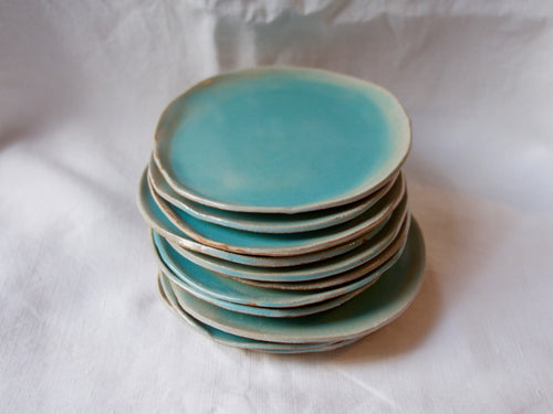 myhungryvalentine-studio-ceramics-simple-cakeplates-celadonblue-stacked-3