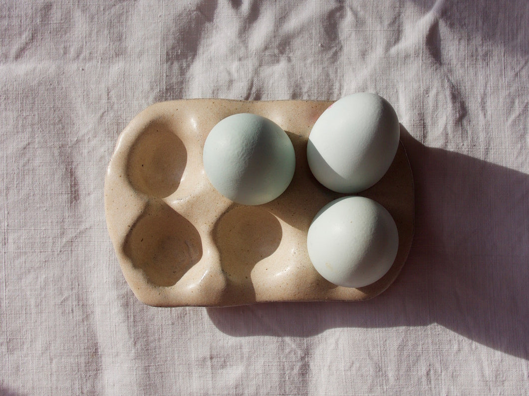 myhungryvalentine-studio-ceramics-simple-eggtray-blushpink-top-eggs