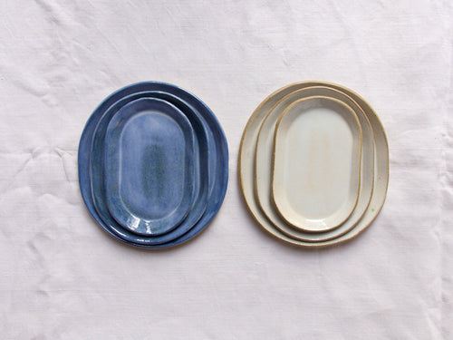 myhungryvalentine-studio-ceramics-simple-nestingovaldish-set-3-cloudywhite-cloudyblue-top
