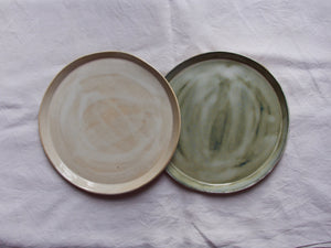 myhungryvalentine-studio-ceramics-simple-plate-25-cloudywhite-cloudygreen-top-2