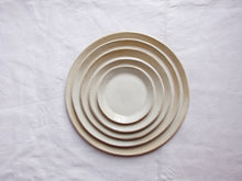 Charger l'image dans la galerie, myhungryvalentine-studio-ceramics-simple-plate-set-5-cloudywhite-top-1