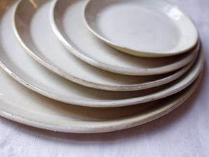 myhungryvalentine-studio-ceramics-simple-plate-set-5-cloudywhite-top-zoom