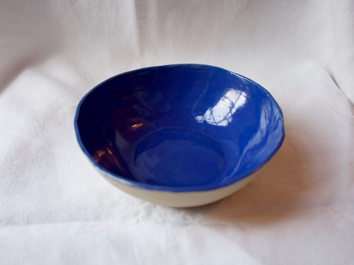 myhungryvalentine-studio-ceramics-simple-round-serving-bowl-22-myosotis-blue-top-1