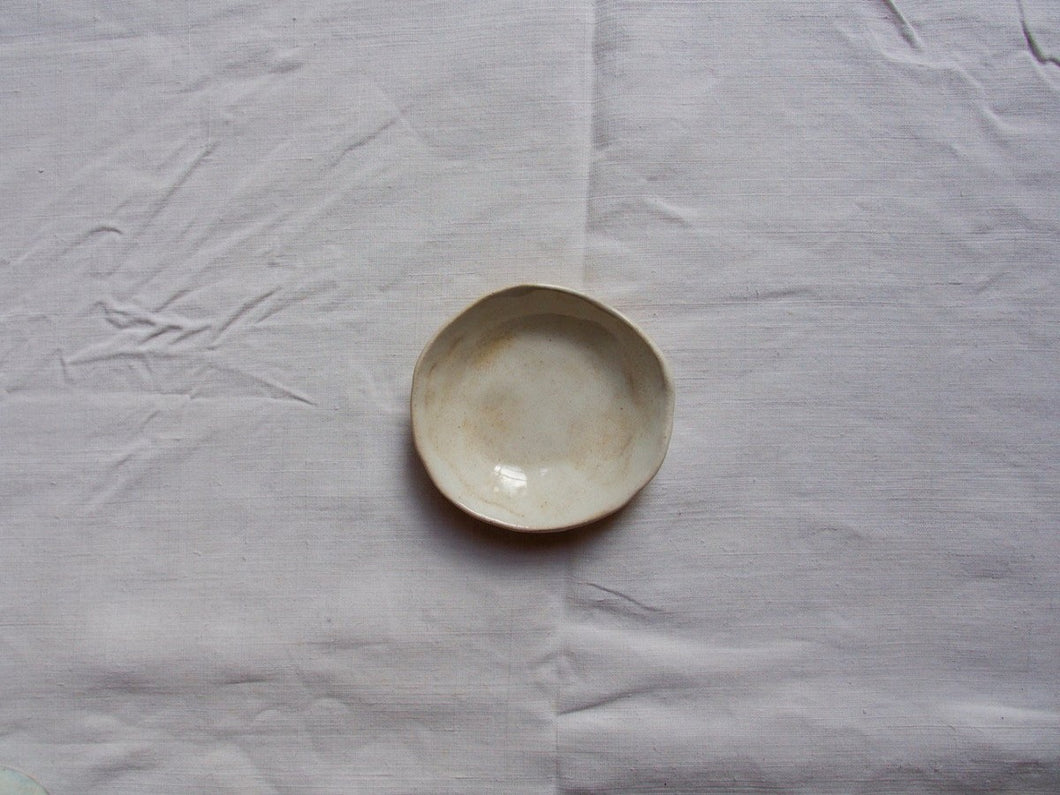 myhungryvalentine-studio-ceramics-simple-smallbowl-cloudywhite-top