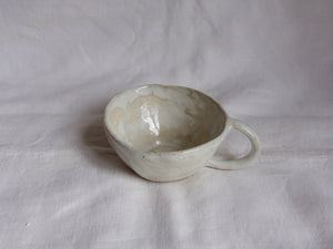 myhungryvalentine-studio-ceramics-simple-teacup-cloudywhite-side-2