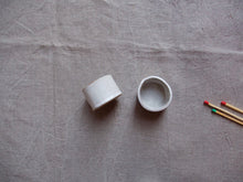Load image into Gallery viewer, myhungryvalentine-studio-ceramics-simple-tealightholders-medium-mattwhite-pair-side-1