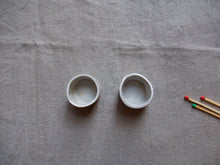 Load image into Gallery viewer, myhungryvalentine-studio-ceramics-simple-tealightholders-medium-mattwhite-pair-top-2