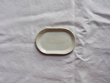 Load image into Gallery viewer, myhungryvalentine-studio-ceramics-simple-trinketdish-cloudywhite-top