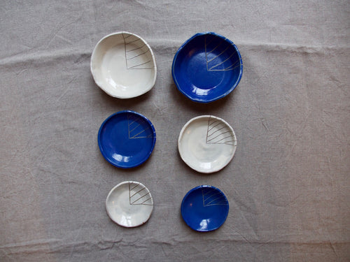 myhungryvalentine-studio-ceramics-stripes-bowls-group-cream-myosotisblue-top-2