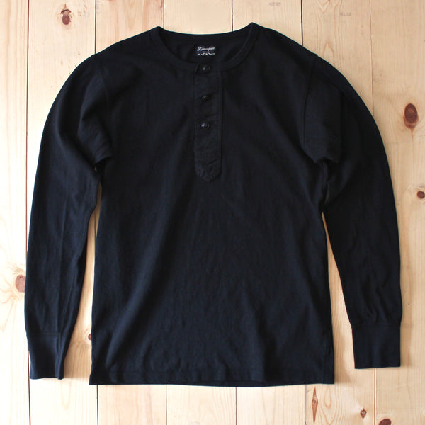 Homespun Knitwear Surplus Henley in Aged Black