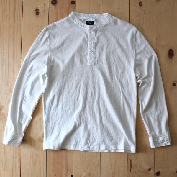 Homespun Knitwear Oldtimer Henley in Aged White