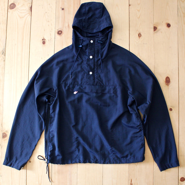 Battenwear Packable Anorak in navy