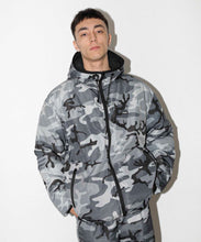 Load image into Gallery viewer, REVERSIBLE HOODED CAMO JACKET OUTERWEAR XLARGE