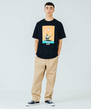 Load image into Gallery viewer, XLARGE x D*FACE S/S TEE D*DOGS FALLING IN GORILLA T-SHIRT XLARGE