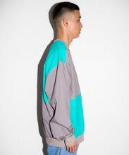 Load image into Gallery viewer, PANELED PULLOVER SHIRT