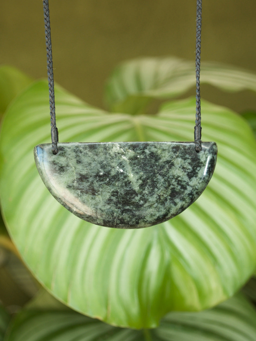 Breastplate Medium Kawakawa Raukaraka Pounamu New Zealand Greenstone Pendant