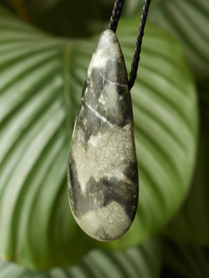 Medium Roimata Nephrite Pounamu New Zealand Greenstone Pendant
