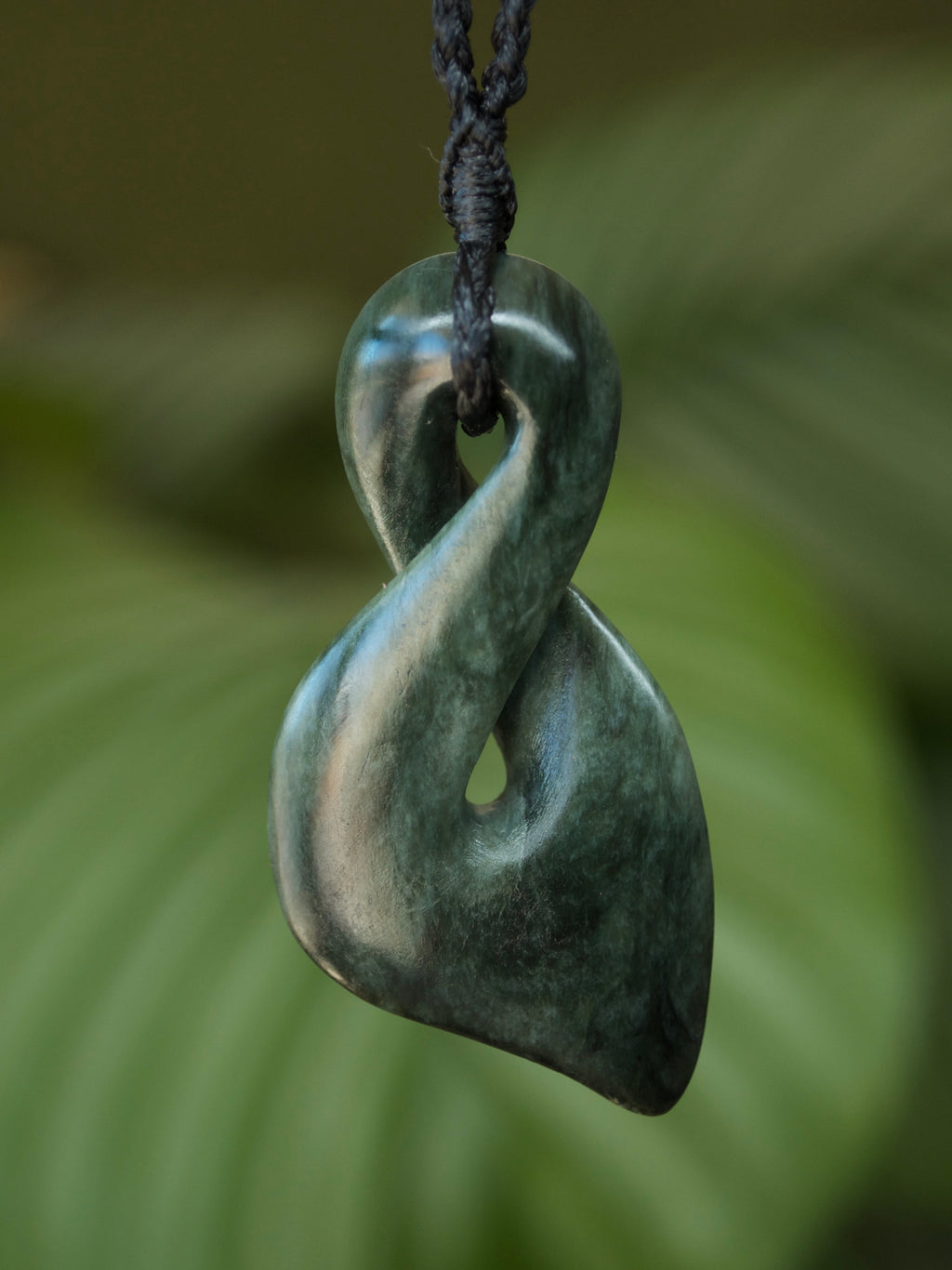 Pikorua/Twist Medium Kawakawa Pounamu New Zealand Greenstone Pendant