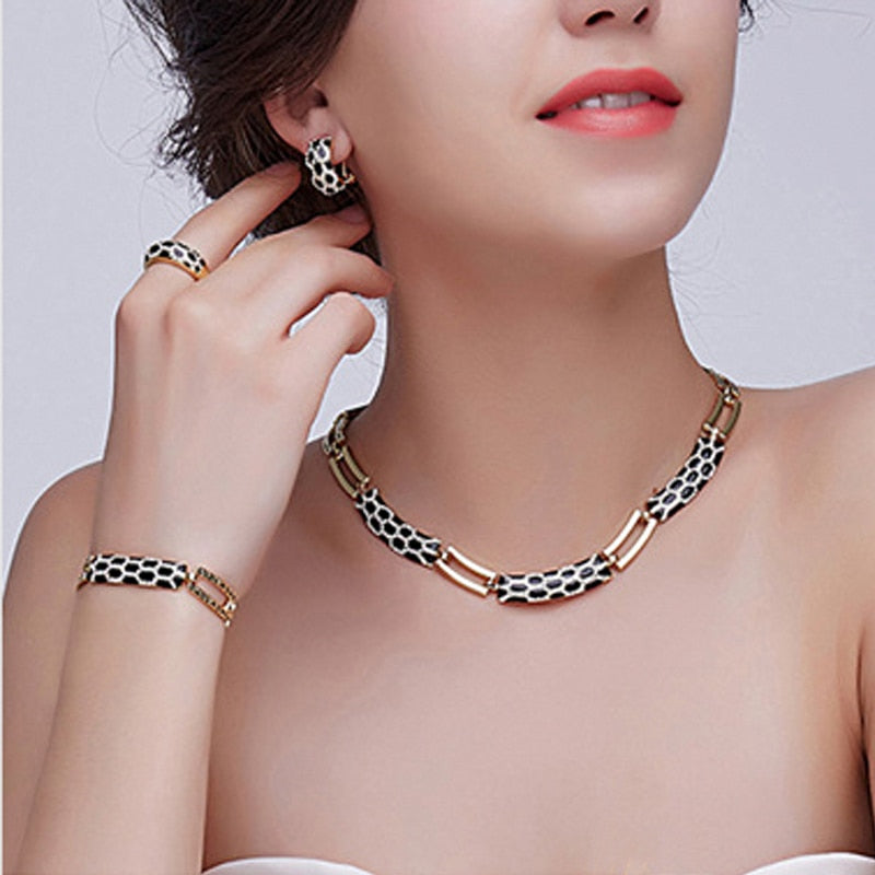 Liffly Women choker Jewelry Sets