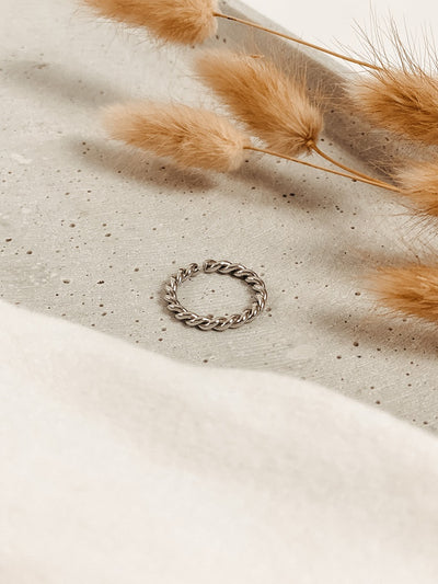 Jean and Jil Ring Alma Silber