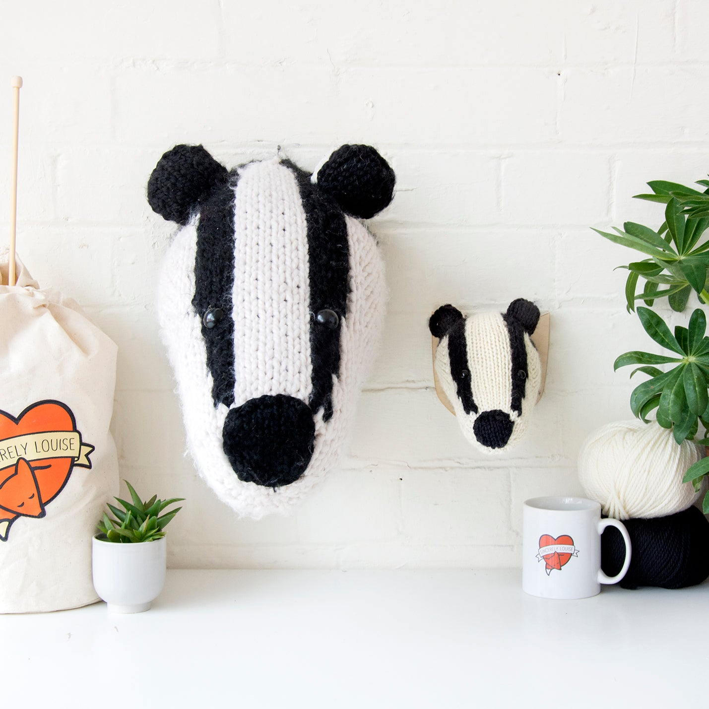Giant Badger Head Knitting Kit