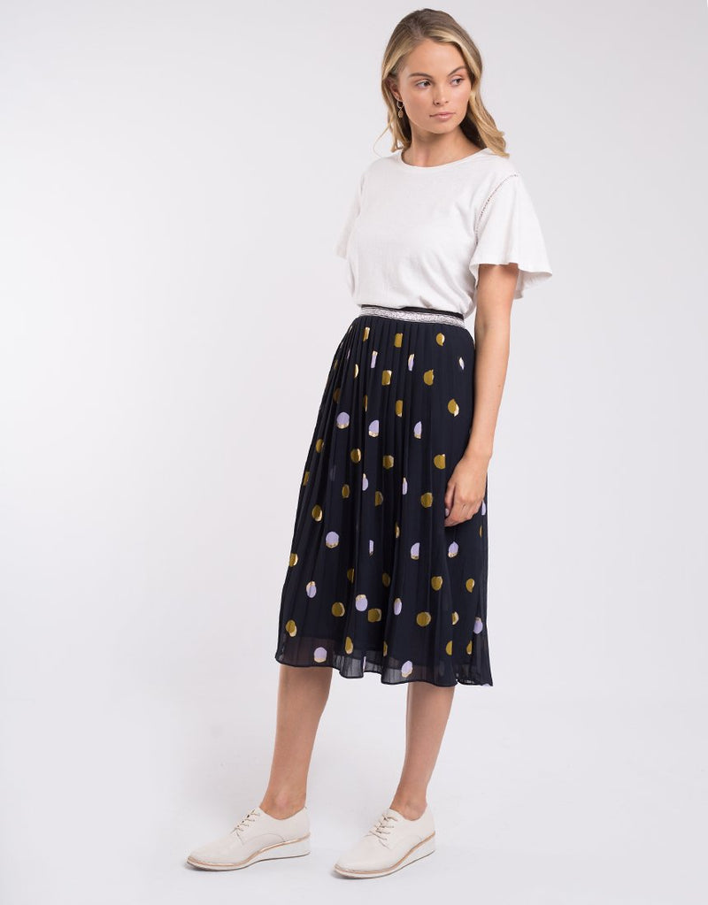 Soft Spot Pleat Skirt