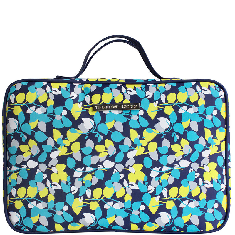 Aqua Leafet Hanging Wash Bag