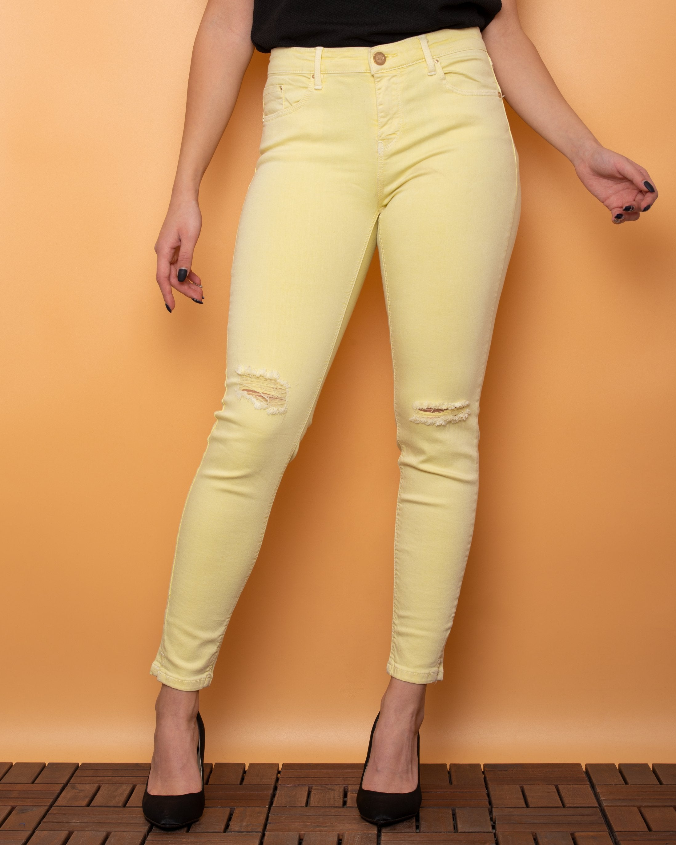 Stradivarius Jeans Skinny Leg Low Waist Yellow