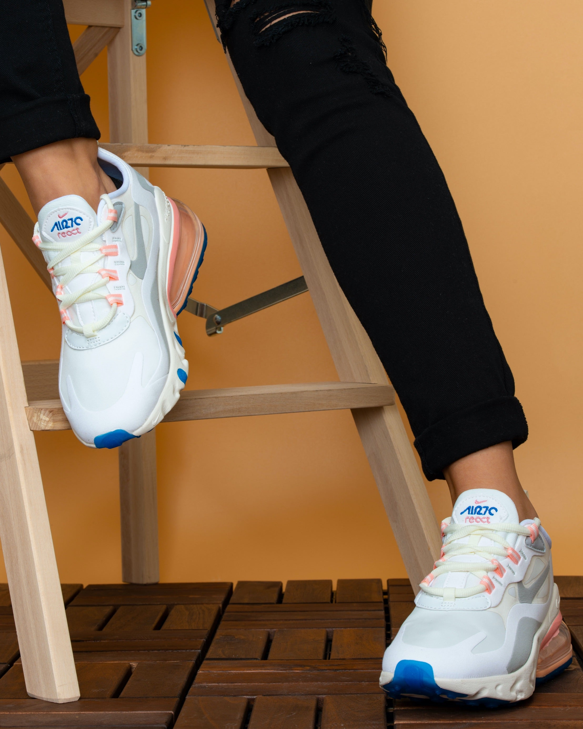 Nike 270 React White Pink Blue