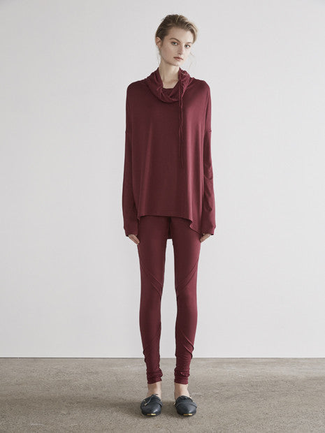 Rouge Drop Shoulder Turtle Neck In Maroon