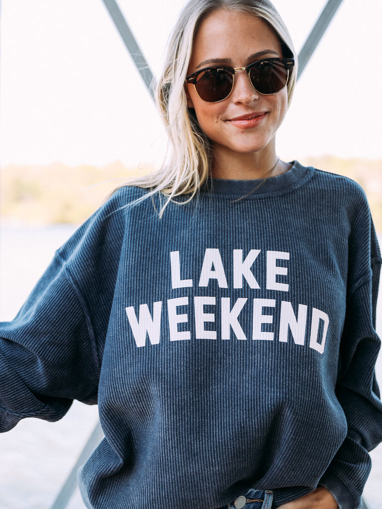 LAKE WEEKEND CORDED SWEATSHIRT