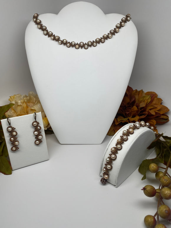 Hand Made Freshwater Pearls Necklace Bracelet Set
