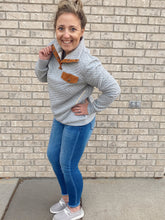 Load image into Gallery viewer, Heather Grey Diamond Pullover