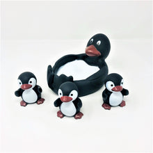 Load image into Gallery viewer, Penguin Family Bath Toys