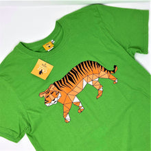 Load image into Gallery viewer, Men's Tiger Origami Design T-shirt - Green