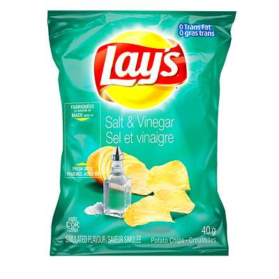 (OUT OF STOCK) Lays Salt & Vinegar Potato Chips (8 pack-40g)