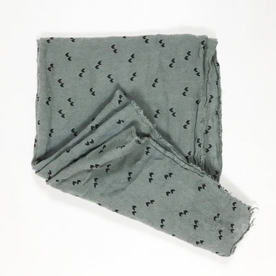 Búho grey scarf with black pattern One size