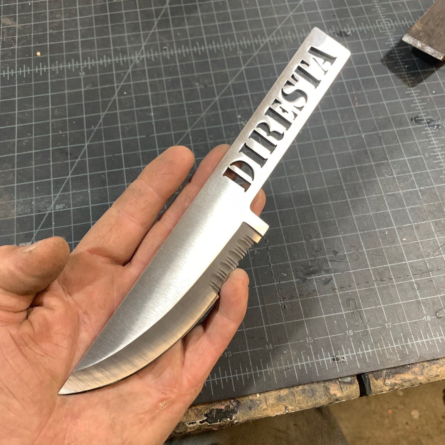 DIRESTA SKELETON KNIFE