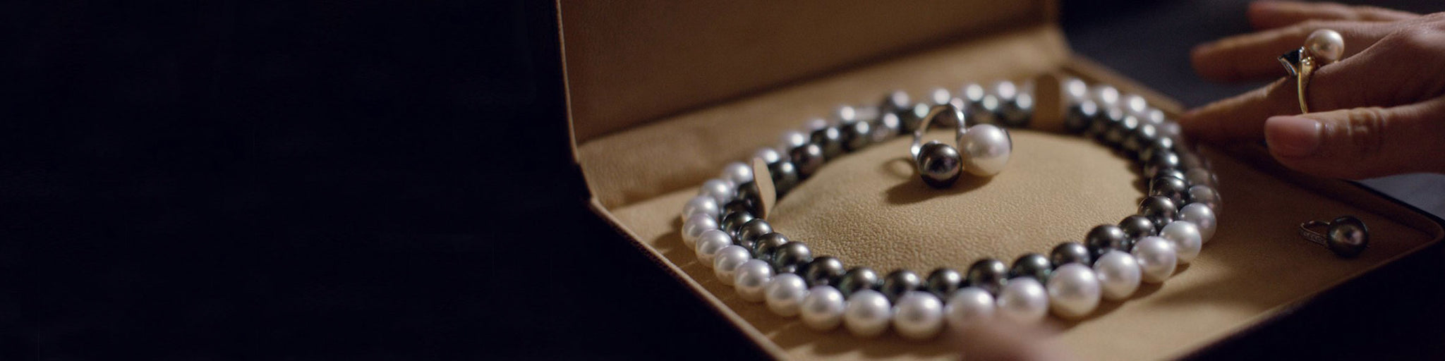 Buy pearl necklaces online UK